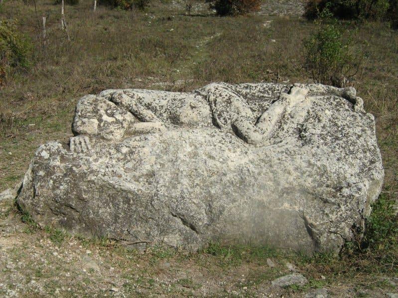 Мангупский мальчик легенда и история камня