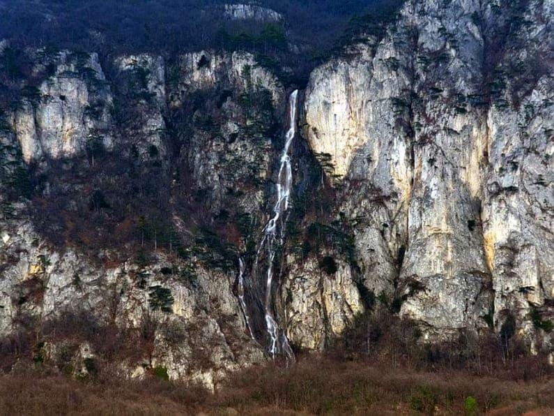 Водопады полуострова крым, россия