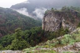 скалы Уч-Коша