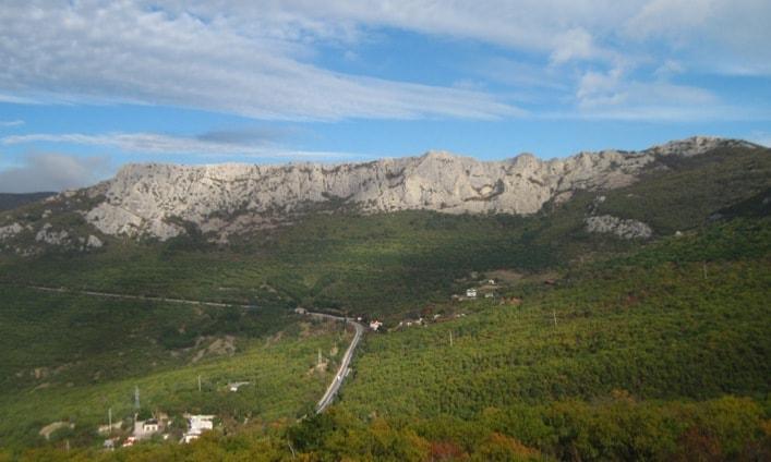 вид на хребет Донгуз-Орун