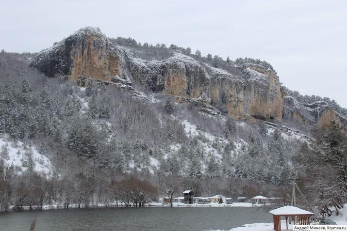мангупское озеро зимой фото в снегу