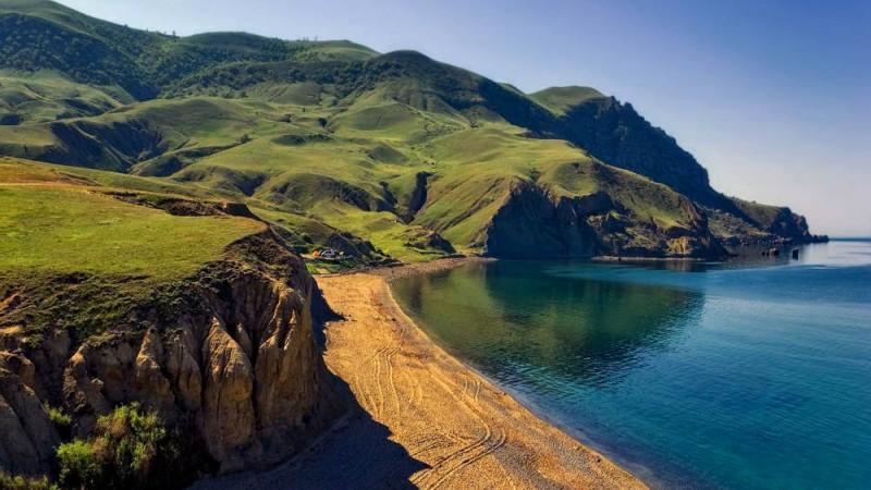пляжи мыса меганом в Крыму фото
